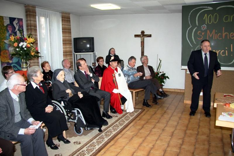 Monsieur Marcel Maurer, Président de la ville de Sion, présente ses voeux à Sr Michelle