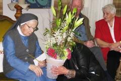 Compliments et fleurs à la Jubilaire