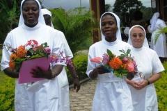 Procession festive vers la grotte de la Vierge
